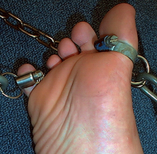 captured_toes_by_footfun22-d5lgh7e