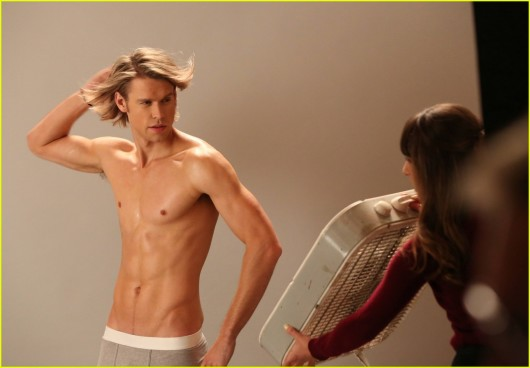 chord-overstreet-six-pack-abs-shirtless-selfie-01